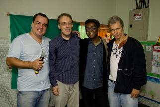 Encontro da Flupp Pensa do último sábado no Morro dos Macacos: Écio Salles, Marco Lucchesi, Ricardo Aleixo e Julio Ludemir