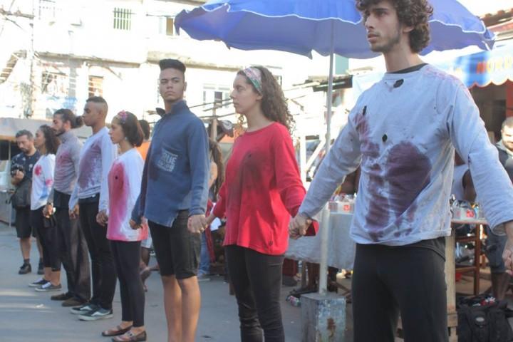 Ato em favor da vida chama a atenção para o número crescente de assassinatos contra a juventude. Foto: Gabriel Irene/ESPOCC
